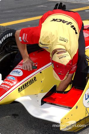 Preparing Mario Haberfeld's car