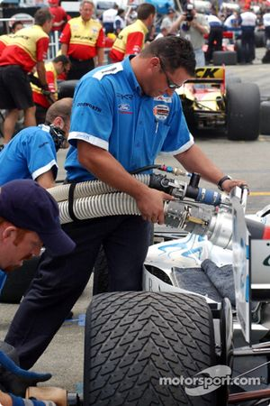 Teams fine tune for the afternoon race