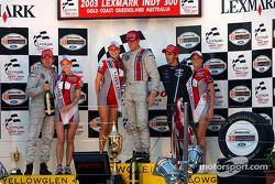 Podium: race winner Ryan Hunter-Reay with Darren Manning and Jimmy Vasser