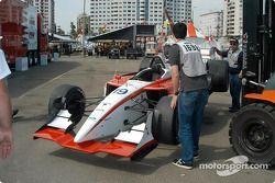 La voiture accidentée de Tarso Marques après la course