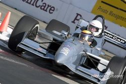 Roberto Moreno emmène un invité en piste dans la Champ Car bi-place