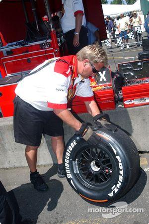 Le pneu tendre Bridgestone