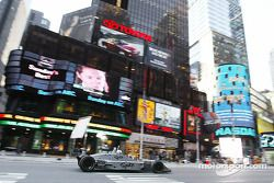 Ryan Hunter-Reay roule sur Times Square