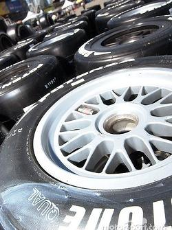 Des Bridgestone à perte de vue