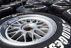 Bridgestone prépare les pneus pour les équipes