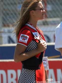 Miss Molson Indy 2003 winner Lynne Kushnirenko