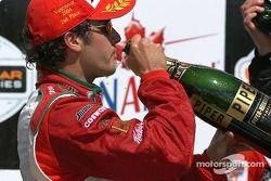 Podium : champagne pour Michel Jourdain Jr.