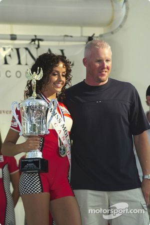 The winner of the Canadian Miss Molson Indy 2004 with Paul Tracy