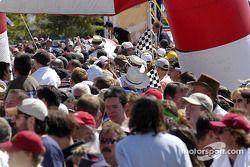 Les fans arrivent au circuit