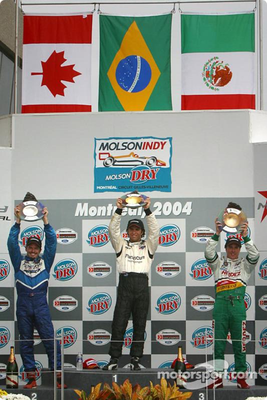 Podium : le vainqueur Bruno Junqueira avec Patrick Carpentier et Mario Dominguez