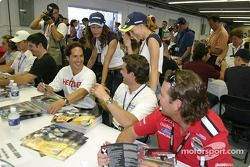 Autograph session: Mario Dominguez, Rodolfo Lavin and Jimmy Vasser