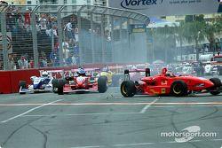 Action au virage 1 en Formule 3