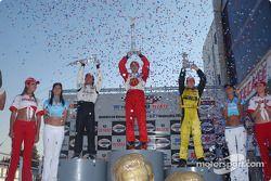 Podio: ganador de la carrera y campeón de la Champ Car World Series 2014 Sébastien Bourdais con Brun