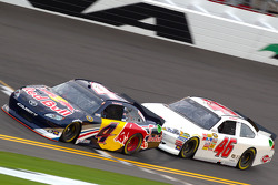 Kasey Kahne, Red Bull Racing Team Toyota, J.J. Yeley, Whitney Motorsport Chevrolet
