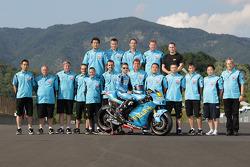Media Luna sesión de fotos de equipo de Suzuki