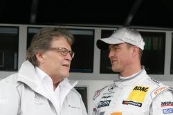 Norbert Haug, Mercedes-Sportdirektor; Ralf Schumacher, HWA AG, Mercedes AMG C-Klasse 2009