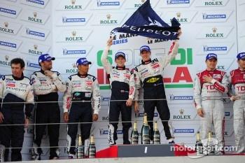 LMP1 podium: race winner Anthony Davidson and Sébastien Bourdais, second place Franck Montagny, Stéphane Sarrazin, third place Marcel Fässler, Timo Bernhard