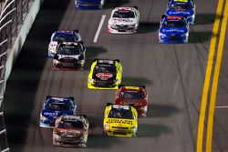 Mike Wallace, Davis Chevrolet leads a group of cars