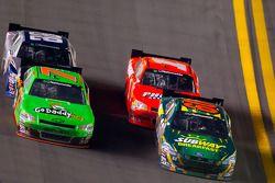 Carl Edwards, Roush-Fenway Ford, Danica Patrick, JR Motorsport Chevrolet, Jamie McMurray, Phoenix Ch