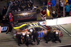 Pit stop for Mike Wallace, Davis Chevrolet
