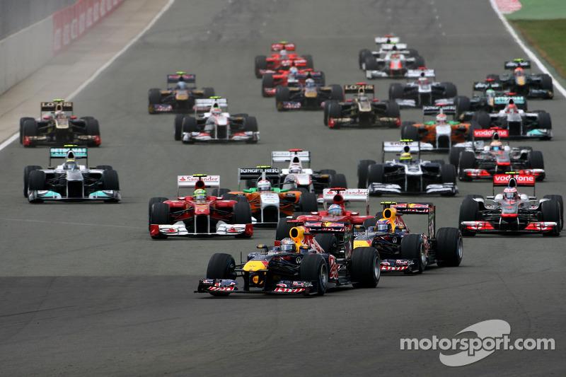 Start: Sebastian Vettel leads