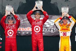 Podium: winnaar Dario Franchitti, Target Chip Ganassi Racing, 2de Scott Dixon, Target Chip Ganassi R