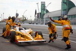 Ryan Hunter-Reay, Andretti Autosport in de pits voor wissel voorvleugel