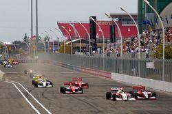 Esteban Guerrieri, Sam Schmidt Motorsports e Stefan Wilson, Andretti Autosport