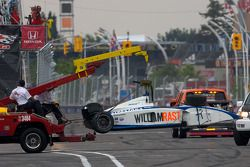 Safety crew na crash Bruno Andrade, Bryan Herta Autosport en Daniel Herrington, Sam Schmidt Motorspo