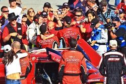 Post-race celebration for #99 Jon Fogarty, Alex Gurney: GAINSCO Auto Insurance, Bobstallingscars.com