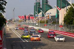 Start: #77 Ferrari of Silicon Valley Ferrari 458 Challenge: Harry Cheung en #20 Ferrari of Houston F