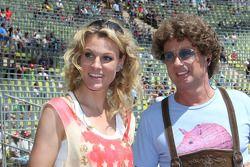Christina Surer, vriendin Martin Tomczyk, Audi Sport Team Phoenix Audi A4 DTM met Atze Schroeder, ko