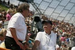 Norbert Haug, Mercedes-Sportdirekotr; Dr. Dieter Zetsche, Daimler-Vorsitzender