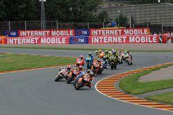 Старт: Дани Педроса, Repsol Honda Team лидирует