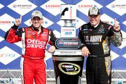 Tony Stewart, Stewart-Haas Racing Chevrolet en Ryan Newman, Stewart-Haas Racing Chevrolet