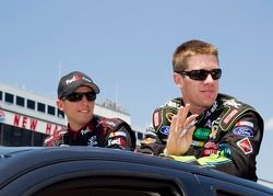 Denny Hamlin, Joe Gibbs Racing Toyota and Carl Edwards, Roush Fenway Racing Ford