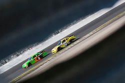 Kasey Kahne, JR Motorsport Chevrolet and Reed Sorenson, Turner Motorsport Chevrolet