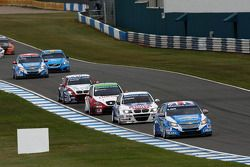 Robert Huff, Chevrolet Cruze 1.6T, Chevrolet en Franz Engstler, BMW 320 TC, Liqui Moly Team Engstler