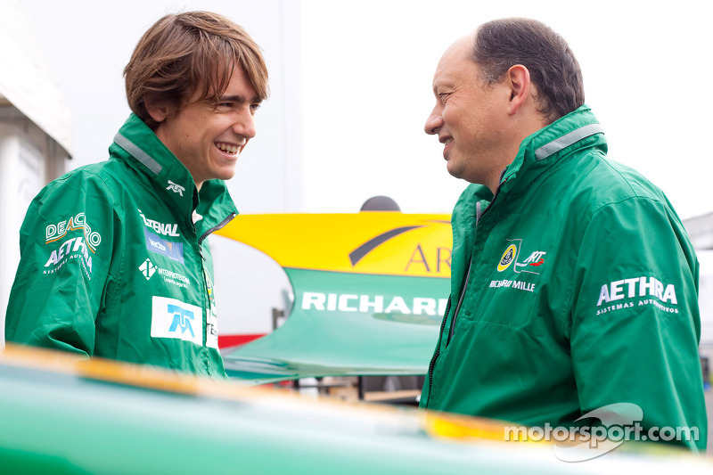 Esteban Gutierrez talks with Frederic Vasseur, Lotus ART team principlal
