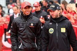 Lewis Hamilton, McLaren Mercedes, Nick Heidfeld, Lotus Renault GP