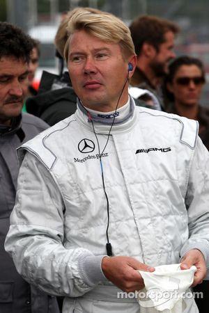 Mika Hakkinen maneja un Mercedes GP el 1955 Mercedes W196