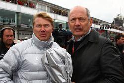 Mika Hakkinen con Ron Dennis, McLaren