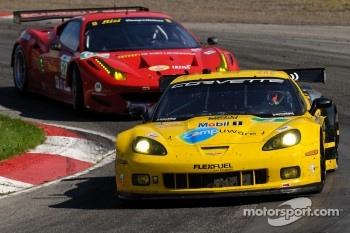 #4 Corvette Racing Chevrolet Corvette C6 ZR1: Oliver Gavin, Jan Magnussen, #62 Risi Competizione Ferrari F458 Italia: Jaime Melo, Toni Vilander