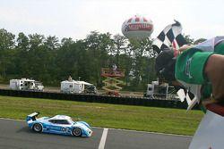 #01 Chip Ganassi Racing with Felix Sabates BMW Riley: Scott Pruett, Memo Rojas takes the checkered f