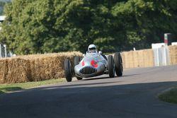 John Surtees, Mercedes-Benz W165