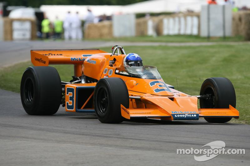 Johnny Rutherford: McLaren Offenhauser M16C