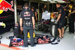 Mark Webber, Red Bull Racing cambio de alerón frontal