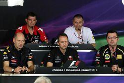 Adrian Newey, Red Bull Racing, Director técnico de operaciones, Graeme Lowden, director de Virgin Ra