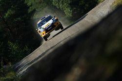 Jari Ketomaa en Miika Teiskonen, Ford Fiesta RS WRC