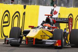 Romain Grosjean cruza la meta